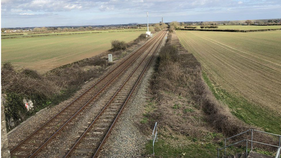 UXO Find Closes Railway Near St Athan